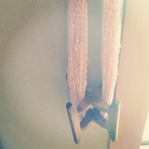ピンクと薄灰の双糸